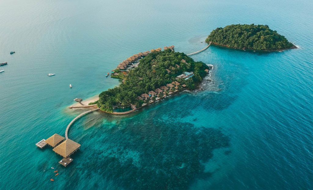 THE BEST LUXURY RESORTS IN ASIA - by The Asia Collective